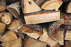 Brennholz ofenfertig kaufen oder selber spalten?
